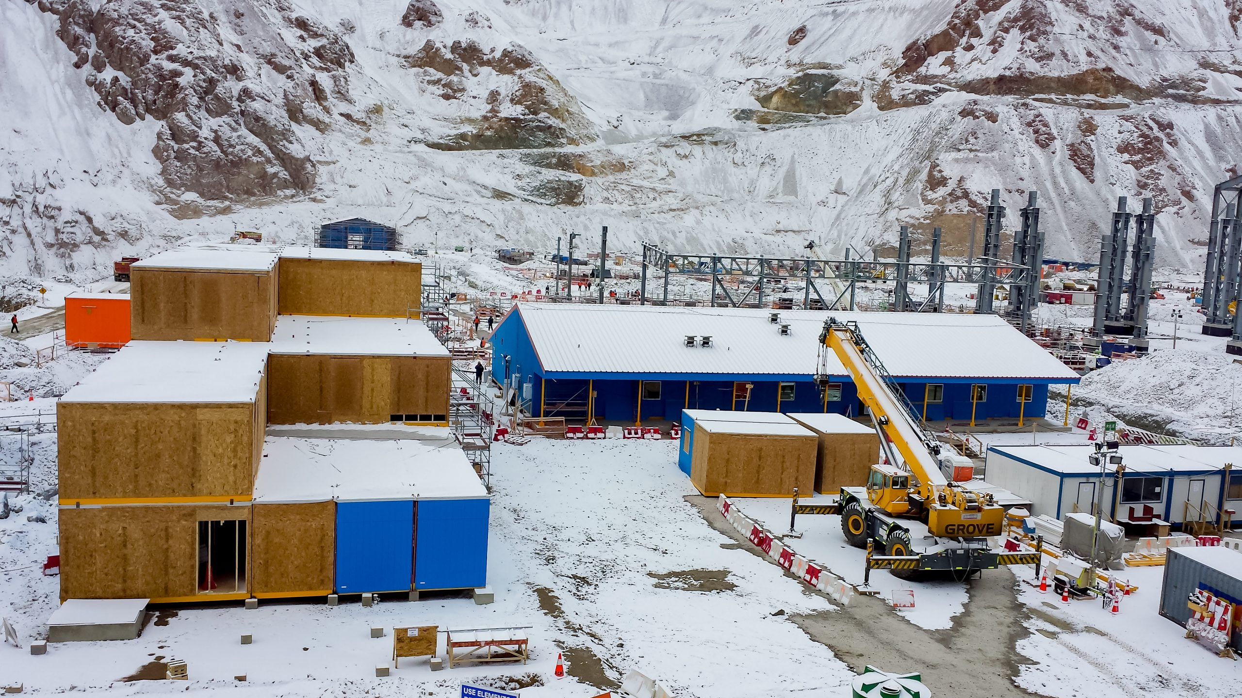 Montaje de edificios modulares Proyecto Nuevo Infraestructura Mina